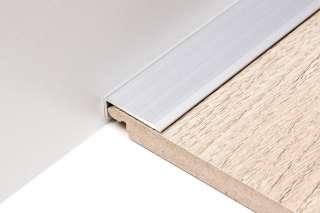 ALU PROFIL PS1 L / SIMPLE-FIX 11 90/SREBRNI KUTNI 24,5/9,5mm