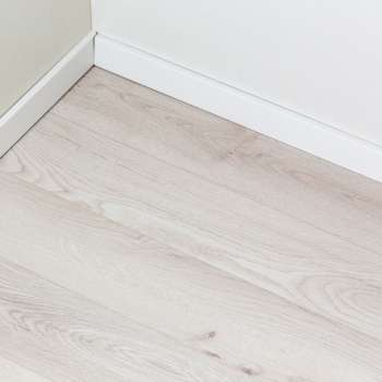LAMINAT 14mm/Kl.33 TITAN V FUGA 5953 HRAST CHANTILLY p=1,41